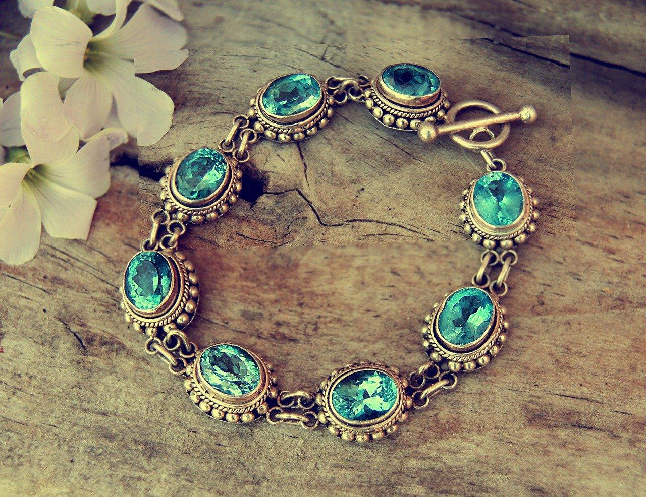 Ako si zachovať krásu a lesk obľúbených šperkov?