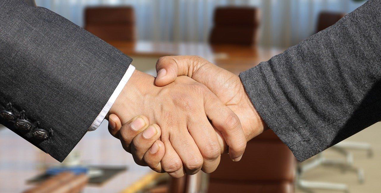 Zjednodušte si predaj a komunikáciu so zákazníkmi pri uzatváraní obchodu